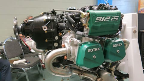 ROTAX 912 is FUEL INJECTED